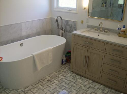 Tub Shower #1