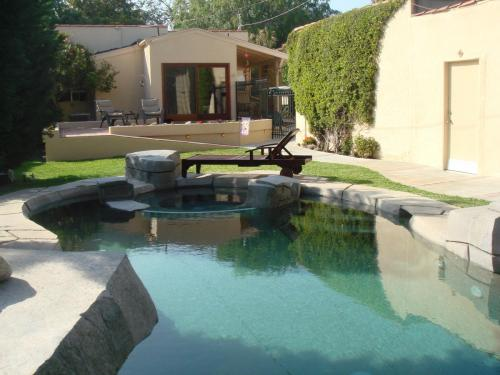 improve dead area of the backyard